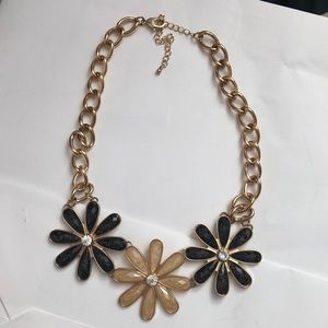 Jewelry - Pink, black & gold flower statement necklace